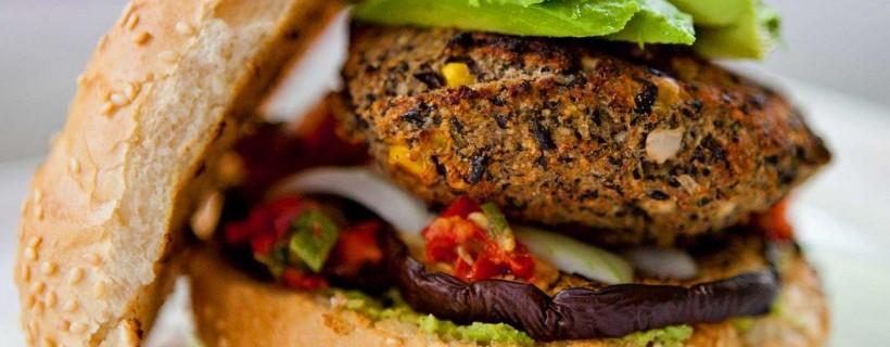 ¿Qué es la comida vegana? y ¿Por qué esta tan de moda?